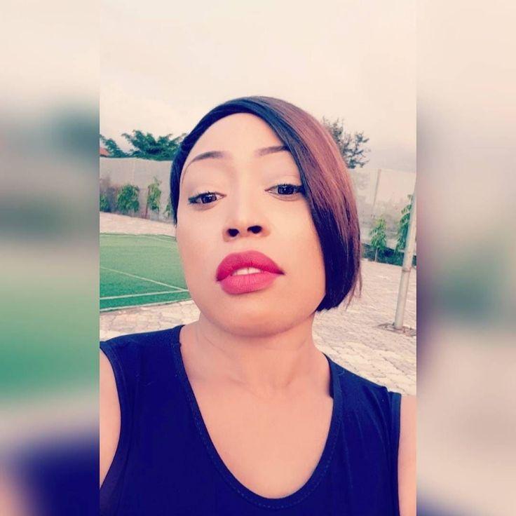 . . . . . . #snapchat #igers #instadaily #fotd #ootd #makeup #motd #revlon #anastasiabeverlyhills #eyebrows #sleekcosmetics #loreal #lipstick #eyelashes #eyeliner #art #music #fun #instagood #instagood2 #potd #london #londoner #dublin #abuja #naija #nigeria #pixiecut #shorthair #shorthairdontcare
