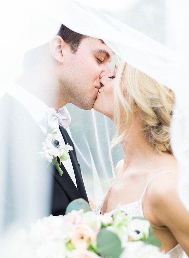 Pink & Inexperienced Backyard Marriage ceremony
