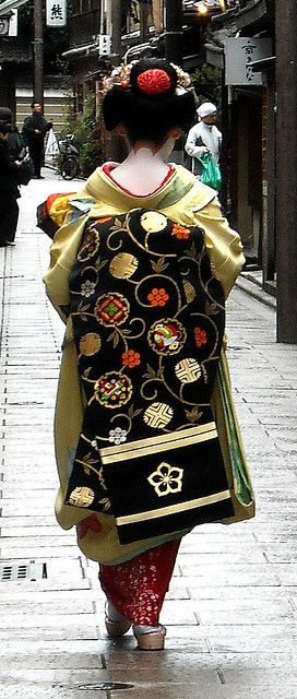 Intricate obi pattern. #japan #maiko