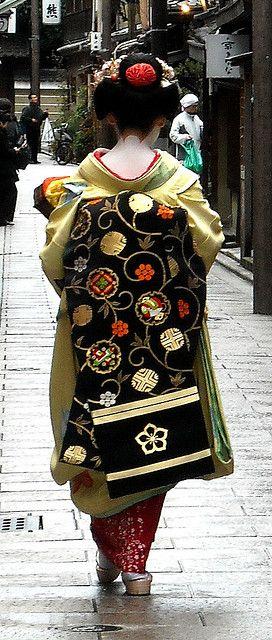 Intricate obi pattern.