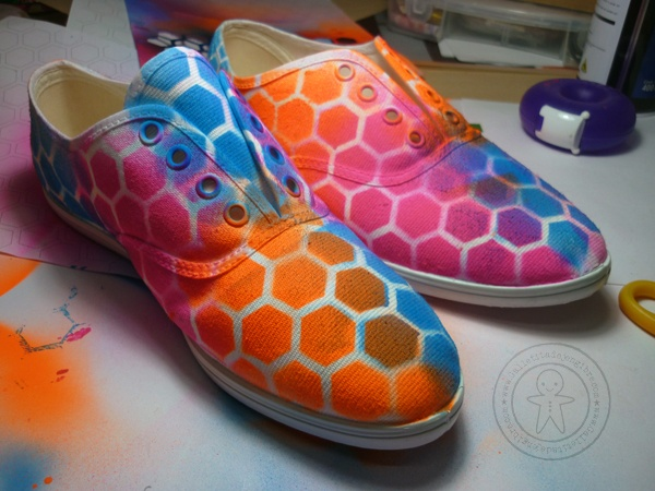 Zapatillas pintadas con aerosol