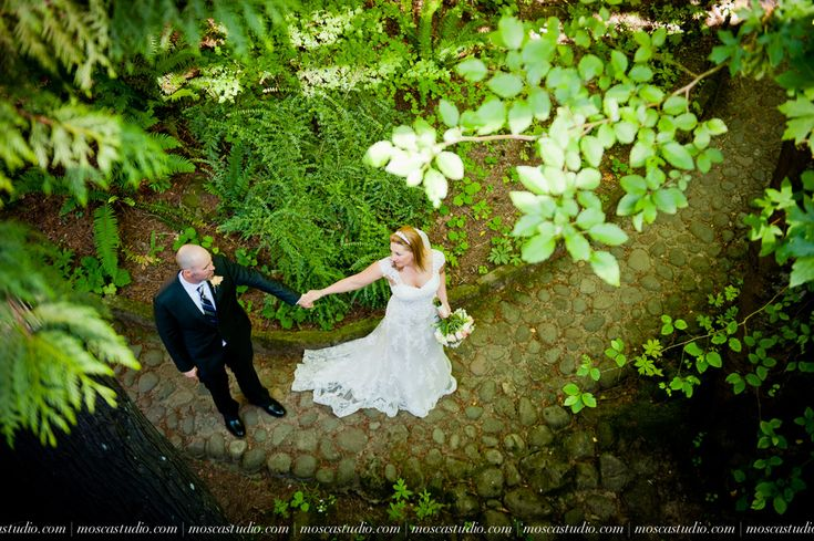 A beautiful #gardenwedding at #leachbotanicalgarden in #portland oregon. This was a quaint and #intimate #elopement with photography by #moscastudio. Florals and catering by @vibranttable