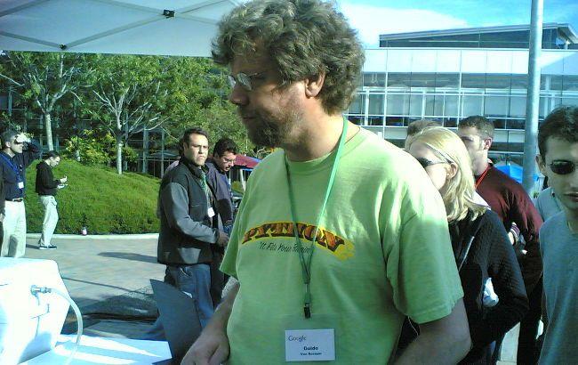 El creador de Python, Guido Van Rossum, deja Google y ficha por Dropbox  http://www.genbeta.com/p/73210