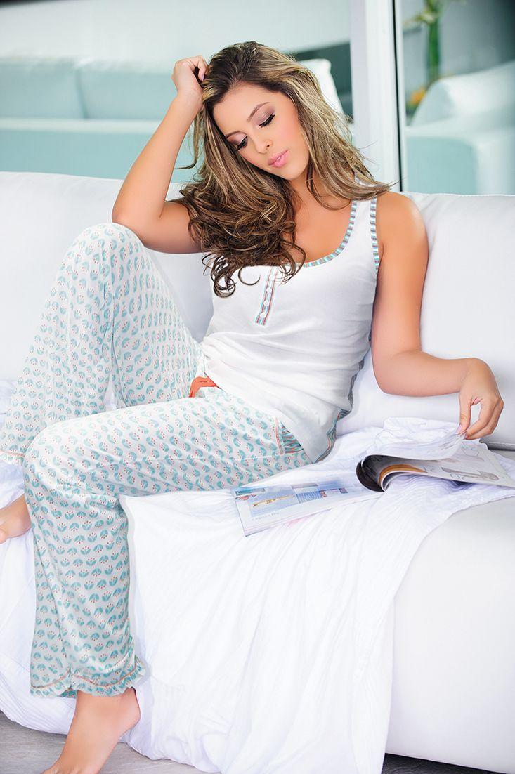 Ref: 1450428- T Shirt - Size: S - M - L – XL- Material: PIMA Cotton/100- Color: White printed.  Ref: 1440427 - Pants - Size:S - M - L - XL-  Material: PIMA Cotton/100 -Color:White/ printed