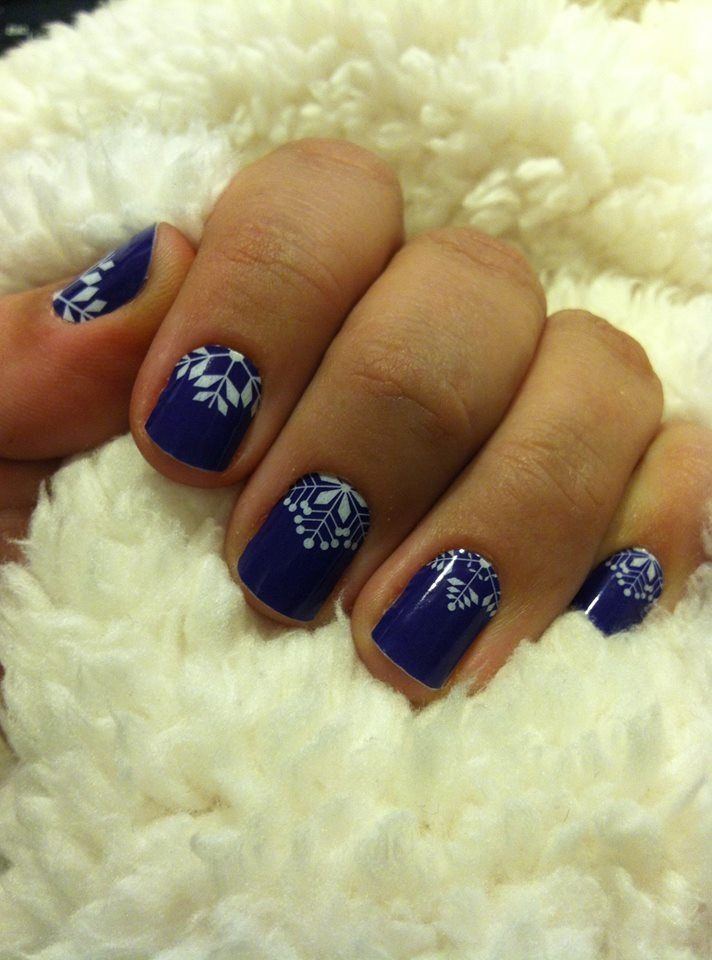 """Crystalline"" winter nails by Jamberry! Don't they just scream ""ski weekend""? http://kimberryjam.jamberrynails.net"