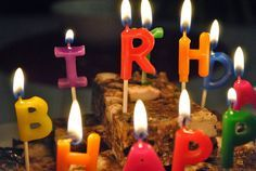 誕生日に贈るメッセージカードやメール。ただ「Happy Birthday」と伝えるよりももう一言なにか伝えたいですよね! 相手にもよりお祝いの気持ちが伝えられるように、簡単だけどオシャレになるメッセージをご紹介していきたいと思います!友人、恋人、両親など贈る相手別になっているので参考にしてみてください。