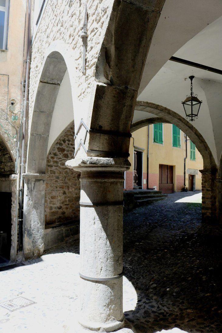 Pigna (IM) - Loggia medievale
