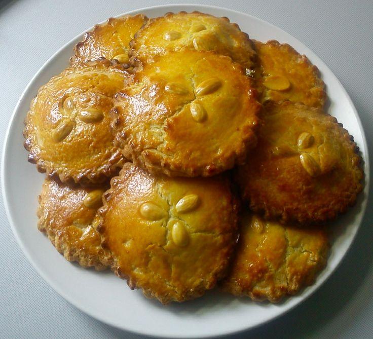 GEVULDE KOEK A gevulde koek is an almond cookie made of dough and butter with a sweet filling. #dutchfood, #netherlands. RECIPE: http://www.ziplist.com/recipes/435538-Gevulde_Koeken_Almond_Paste_Cookie_
