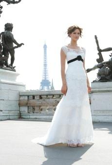 Vestidos de novia con un toque de negro – Tendencias nupciales 2010