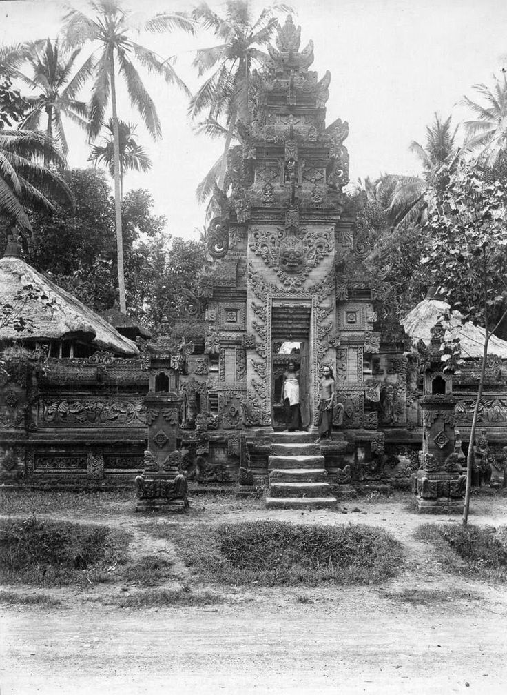 Temple Soekawati - T Weissenborn - Indonesia 1920