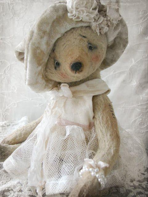 Waar nostalgie en romantiek elkaar ontmoeten...: Lekker tuttelen in mijn naaimandje...