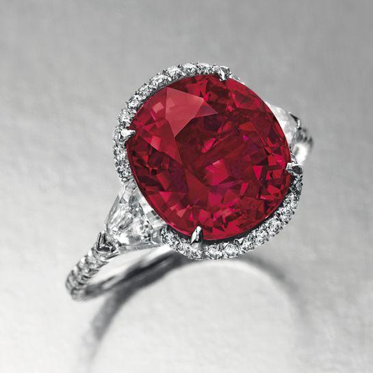 Bague en or blanc et diamants, ornée d'un rubis taille coussin de 6.25 carats http://www.vogue.fr/joaillerie/a-voir/diaporama/la-vente-de-bijoux-magnificent-jewels-de-christie-s-a-new-york/18354/image/993847#!bague-rubis-6-25-carats-vente-magnificent-jewels-de-christie-039-s-a-new-york