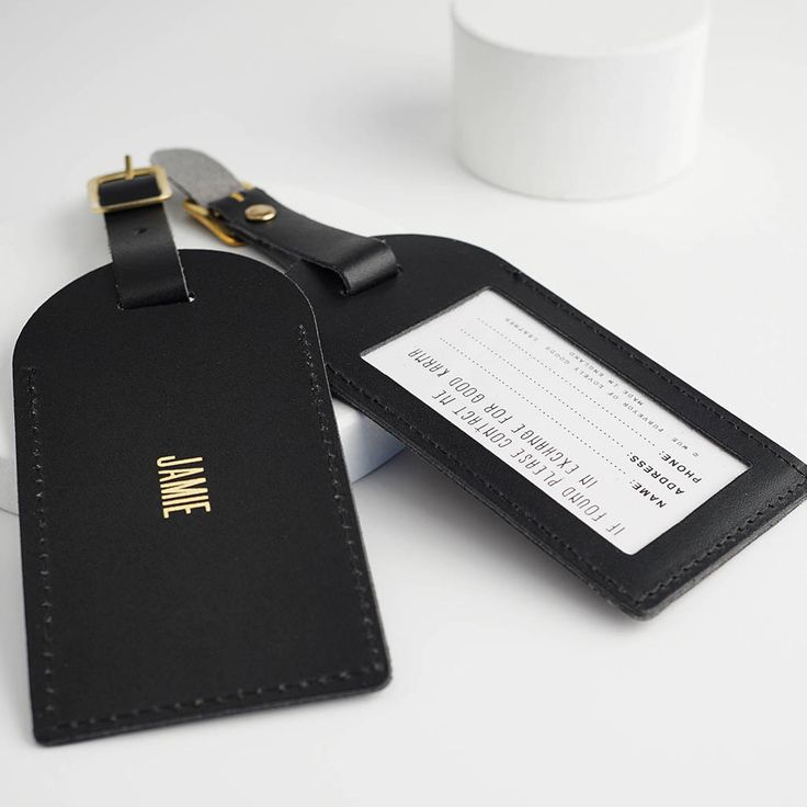Are you interested in our luggage tag? With our personalised luggage tag you need look no further.