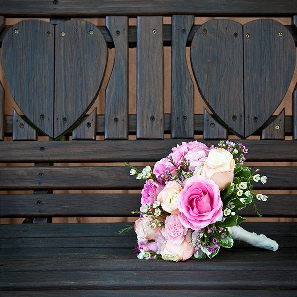 Bright pink roses | Evelyn Ford Photography