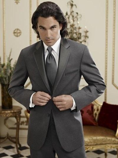 Bruce's Tuxedo, Lexington, NC  灰色