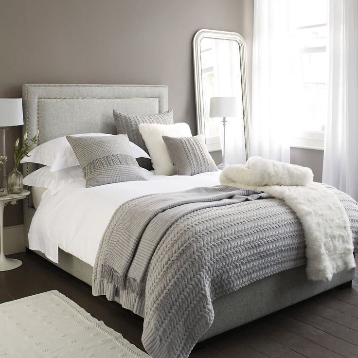 The White Company, white fur, grey bedding