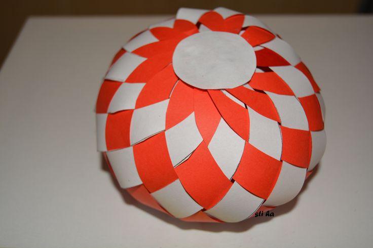 pletená vánoční koule