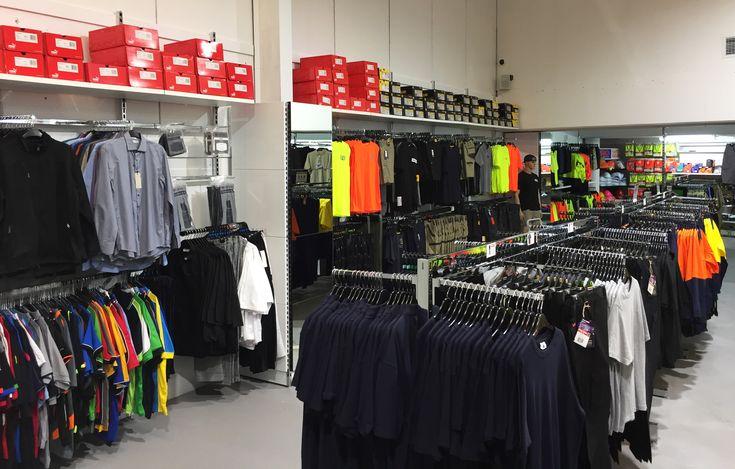 #sfsi #install #workscene #moorebank #clothingandfashion #MAXe #wallmounted #freestanding #chrome #mirror #clothingbay #doublesidebay #hangingaccessories