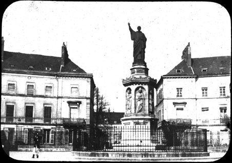 Statue de Saint-Bernard, place Saint-Bernard, Dijon