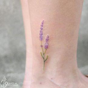 Tatuajes florales estilo coreano                                                                                                                                                                                 Más