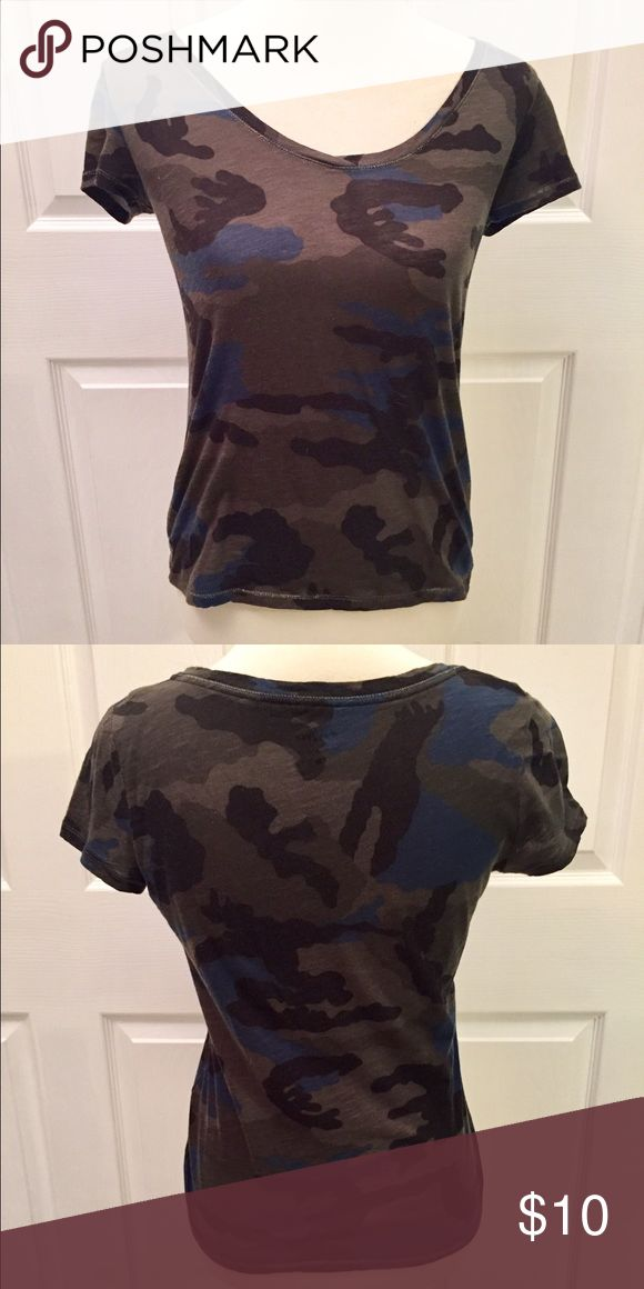 Gray/Blue/Black Camouflage top Cute Camouflage Top. Size Small Soho New York and Company Tops Tees - Short Sleeve