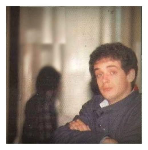 """Gustavo Cerati, a los 20 años de edad, en la Universidad del Salvador. Buenos Aires, año 1979. """"La dirección para volver al origen que al principio fue..."""""""
