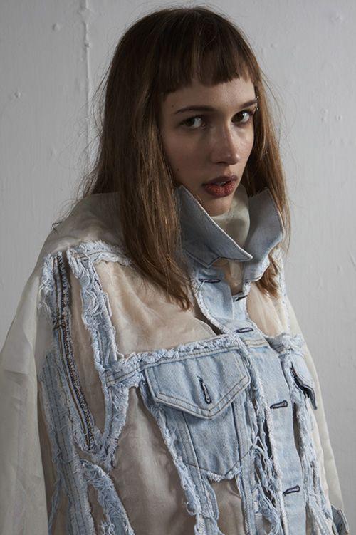 Faustine Steinmetz es una valiente. Lo es porque ha decidido crear una marca de moda en un mercado tan competitivo y saturado como el que hay ahora mismo