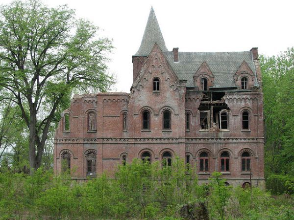 Wyndcliffe: mansion inspired Keeping up with the Joneses | Urban Ghosts | The abandoned mansion known as Wyndcliffe stands on the eastern bank of the Hudson River near Rhinebeck, New York, built in 1853.