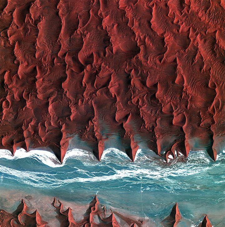 désert de Namibie vu du ciel                                                                                                                                                                                 Plus