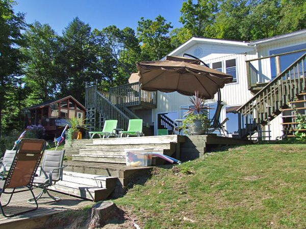 We are sure there are some of you dreaming of your summer vacation so, we thought we would feature one of the cottages available at WRD Cottage Rental Agency.  Introducing Grace Lake 6 - Sleeps a maximum of 12 in the cottage and bunkie - small non-shedding dogs permitted.  Check the web page for more information.