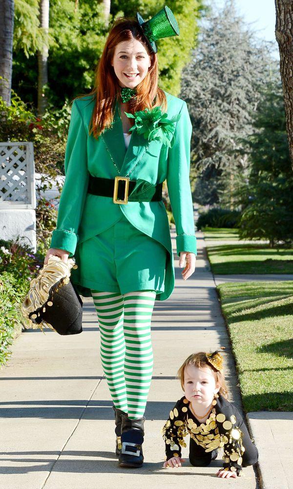 Alyson Hannigan goes green in a leprechaun costume