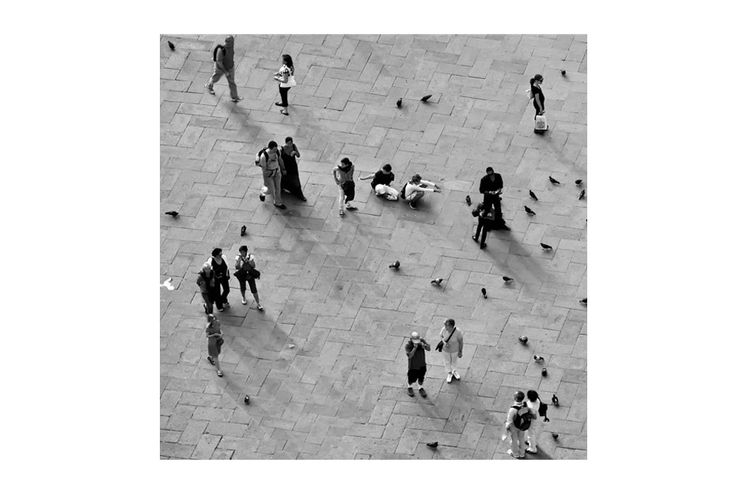 Square or agora, place of meeting and exchange - mousegraphics.gr