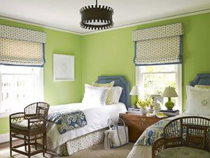 Green guest bedroom. Design: Lindsey Coral Harper. Photo: Ngoc Minh Ngo. housebeautiful.com. #bedroom #green #colorful_bedroom #colors