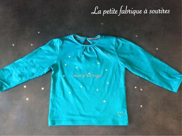 """T-shirt manches longues inscription """"Mon p'tit ange"""" parsemé d'étoiles métalliques et ailes flockées dans le dos : Mode filles par la-petite-fabrique-a-sourires"""