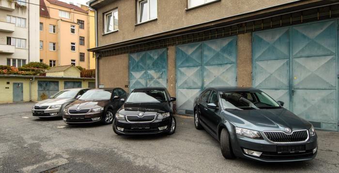 Státní policie v Plzni má nové čtyři vozidla pro kriminálku