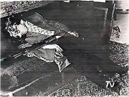 Salvador Allende muere el 11 de sept.1973  en el ataque a la casa presidencial durante el golpe militar .