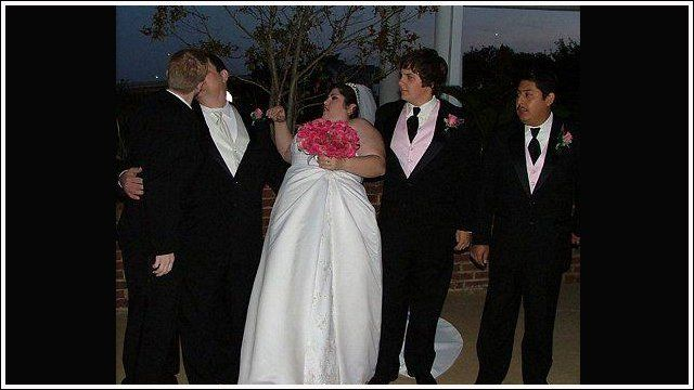 24 photos très embarrassantes et gênantes prises au cours de mariages !
