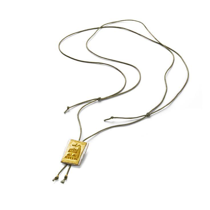 Kæde i snor med vedhæng i 24k guld og sølv 2150,-