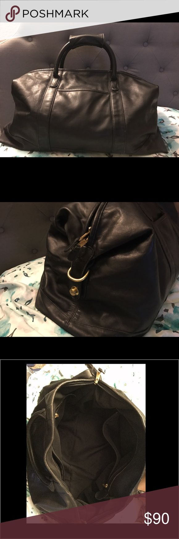Coach Duffle Bag Vintage Coach Duffle Bag-Very good condition. Integrity of the bag is great. Coach Bags Travel Bags