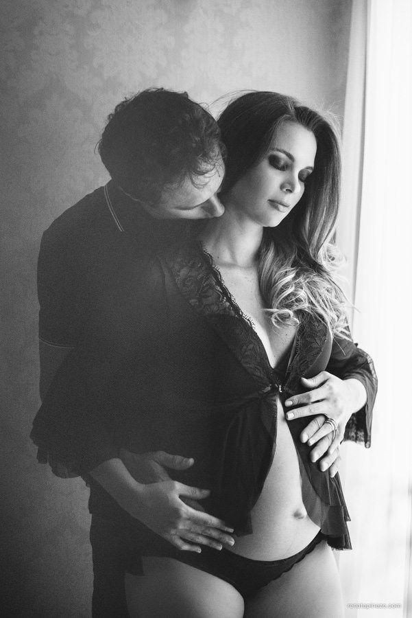 Às vezes, um casal e uma sala (em um salão de beleza) é tudo o que a gente precisa para fotografarum ensaio gestante. ;) A linda Valery e o André à espera de Arthur…