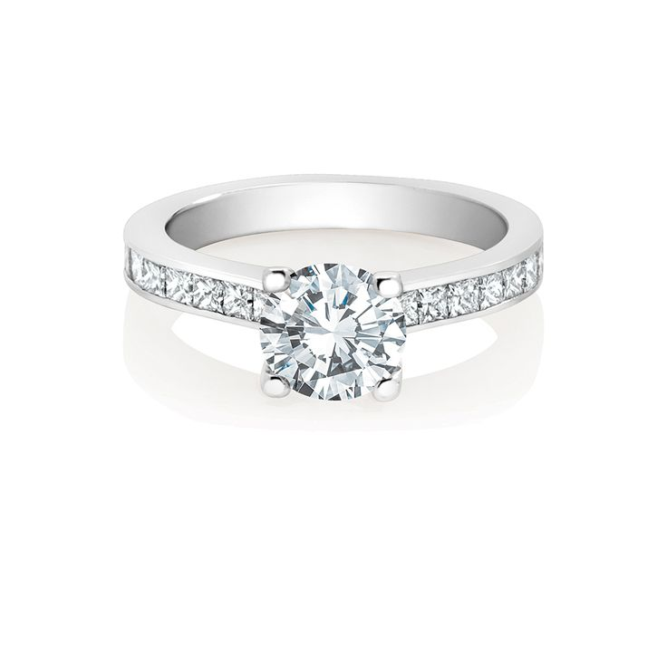 Simple, classic elegance, with an understated, square diamond surround, the Amira collection offers a touch of the Art Deco era, with a gleam of timeless enchantment.