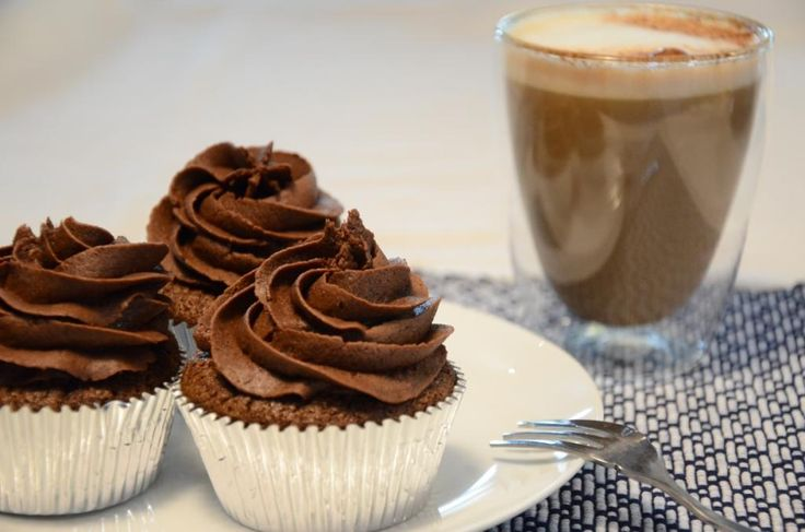 Dark chocolate and chickpea cupcakes