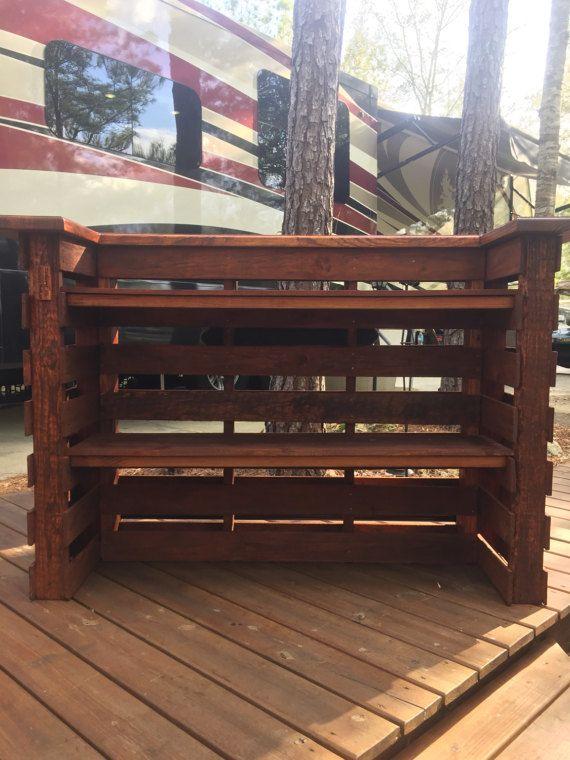 pallet bar bench mer enn 25 bra ideer om tiki bar for sale p pinterest