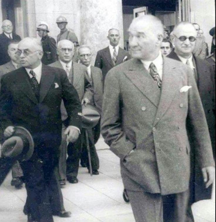 """Bu ülkenin tek bir Atası vardır oda Mustafa Kemal Atatürk'tür. Hiç kimse """"Atam izindeyiz """" sloganını basit kişiliklere kullanamaz!"""