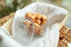 cheesy snack