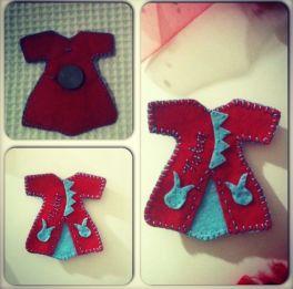 Kırmızı mavi keçe kaftan magnet