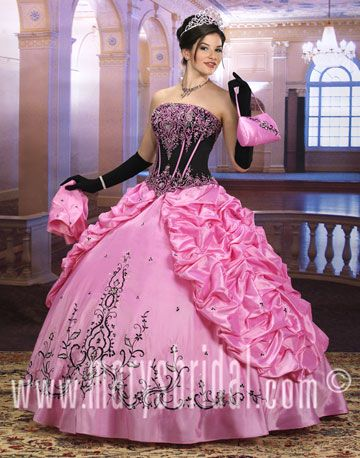 1000  images about Gown Town on Pinterest | Prom dresses, Long ...