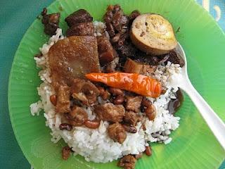 Brongkos adalah varian lain dari sayur lodeh khas Yogyakarta.