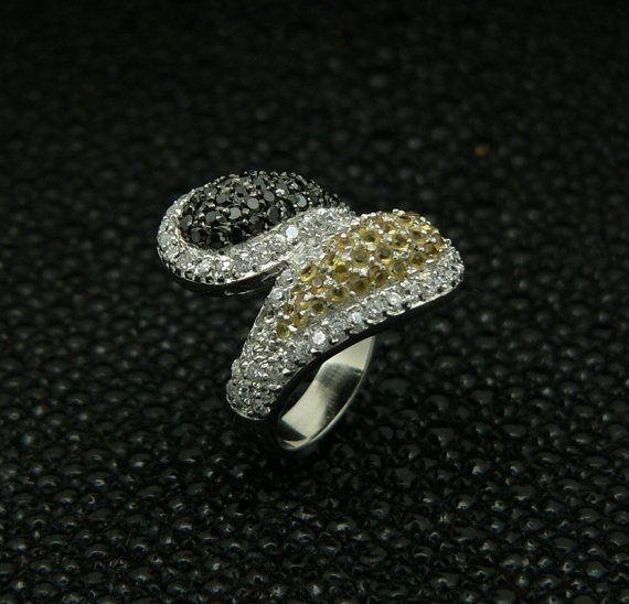 Ladies 925 sterlingsilverringhandsetstoneswhite round by MyJParad