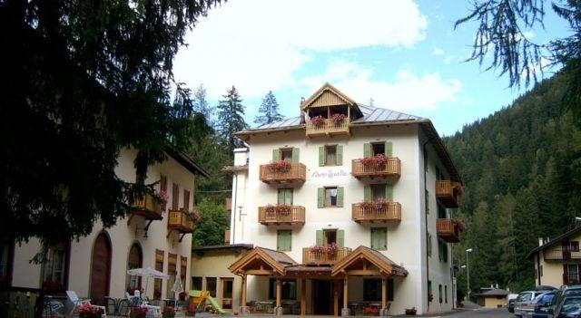 Hotel Zanella - 3 Sterne #Hotel - EUR 38 - #Hotels #Italien #Peio http://www.justigo.com.de/hotels/italy/peio/zanella_159767.html